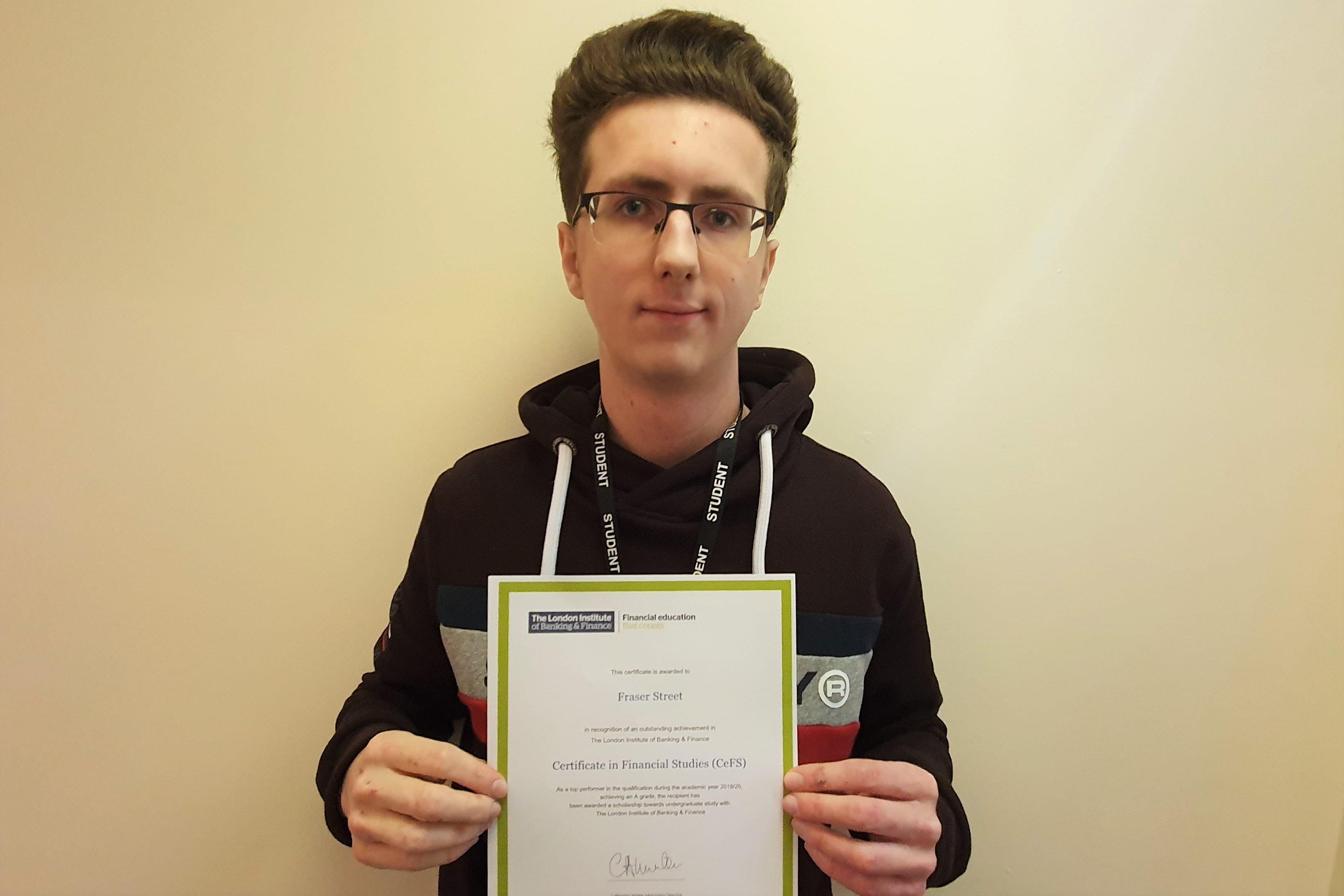 Hucknall Sixth Form Centre student wins finance scholarship prize